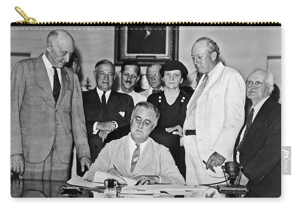 Fdr Signs Social Security Bill Carry-all Pouch