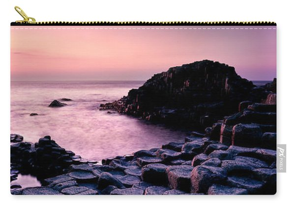 Giants Causeway 3 Carry-all Pouch