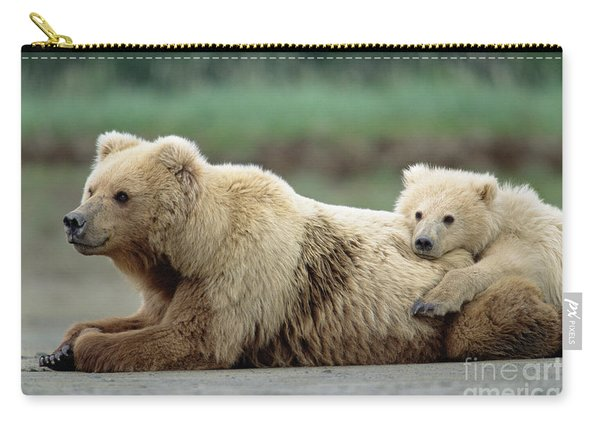 Grizzly Mother And Son Carry-all Pouch