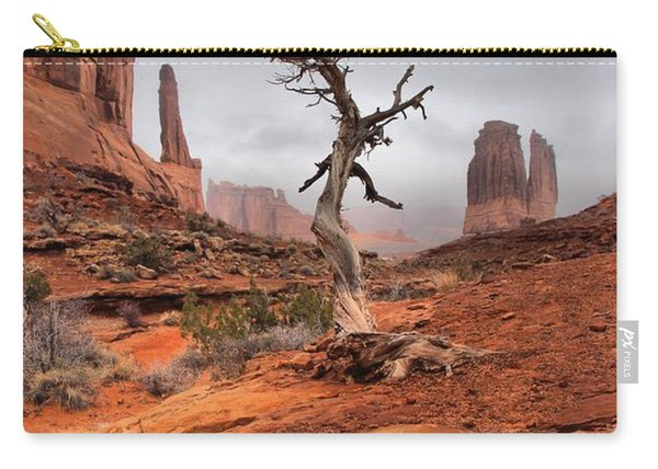 King's Tree Carry-all Pouch