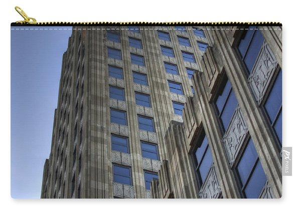 Carry-all Pouch featuring the photograph Lincoln Building by Michael Colgate