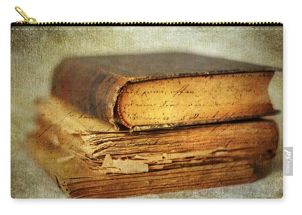 Livres Carry-all Pouch