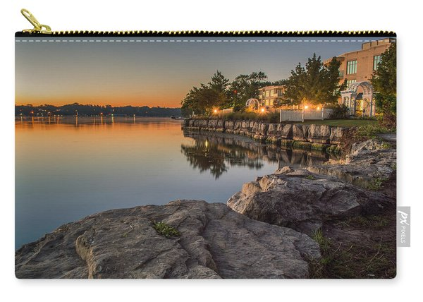 Carry-all Pouch featuring the photograph Niagara On The Lake  by Garvin Hunter
