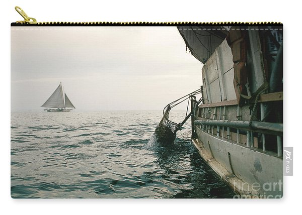 Oyster Dredging Carry-all Pouch