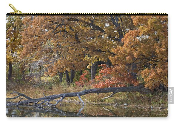 Red Oaks On The Shore Carry-all Pouch