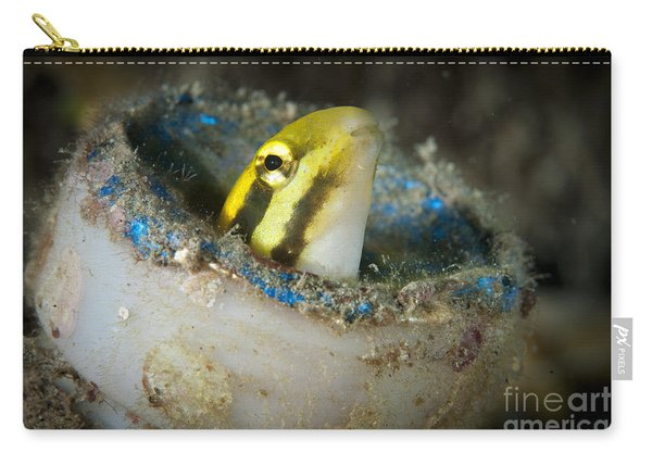 Short-head Sabretooth Blenny Peering Carry-all Pouch