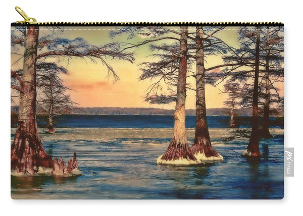 Snowy Reelfoot Carry-all Pouch