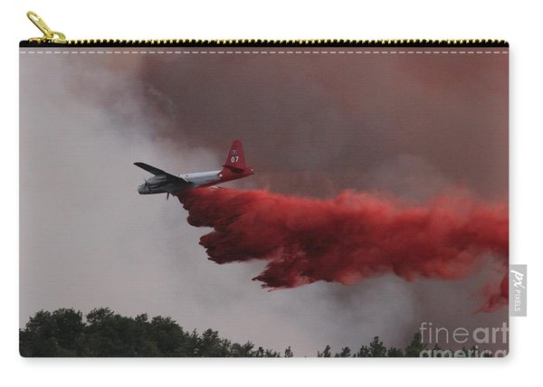 Carry-all Pouch featuring the photograph Tanker 07 Drops On The Myrtle Fire by Bill Gabbert