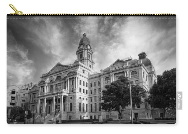Tarrant County Courthouse Bw Carry-all Pouch