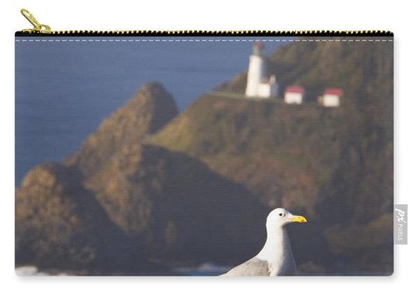 Oregon, United States Of America A Bird Carry-all Pouch