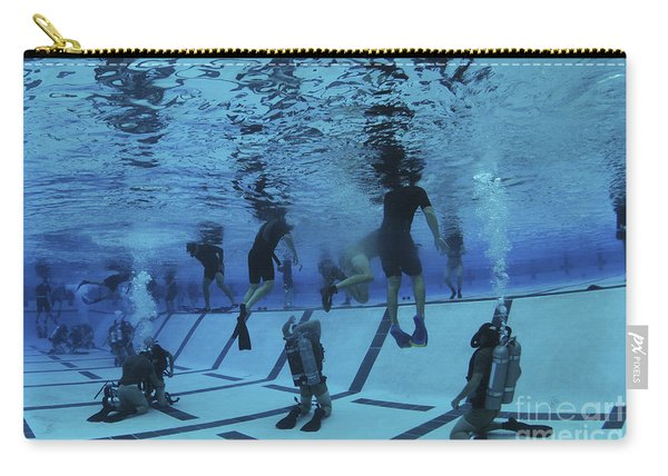 Buds Students Participate In Underwater Carry-all Pouch