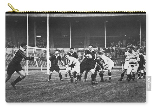 1931 Challenge Cup At Wembley Carry-all Pouch
