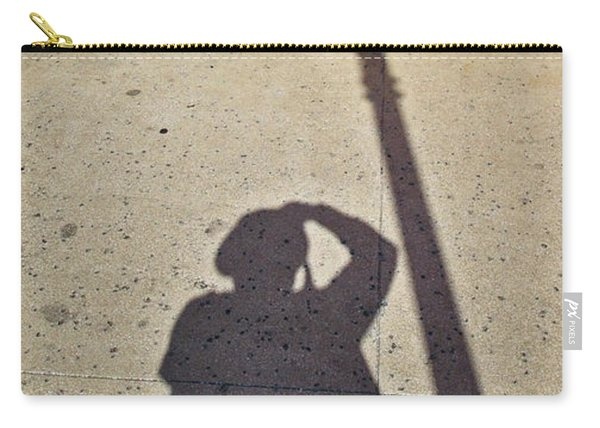 Autoportrait D'ombre Carry-all Pouch