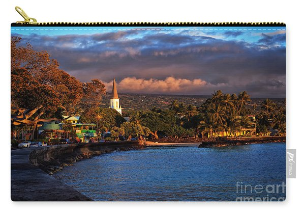 Carry-all Pouch featuring the photograph Beach Town Of Kailua-kona On The Big Island Of Hawaii by Sam Antonio Photography