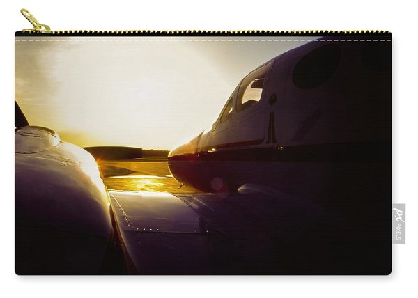 Cessna 421c Golden Eagle IIi Silhouette Carry-all Pouch