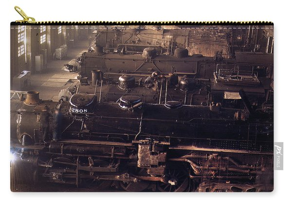 Chicago And North Western Railroad Locomotive Shops At Chicago Carry-all Pouch