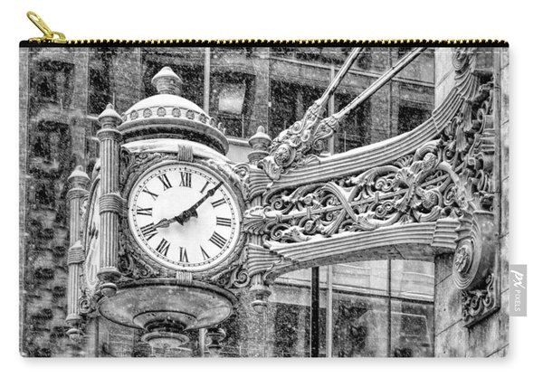 Chicago Marshall Field State Street Clock Black And White Carry-all Pouch