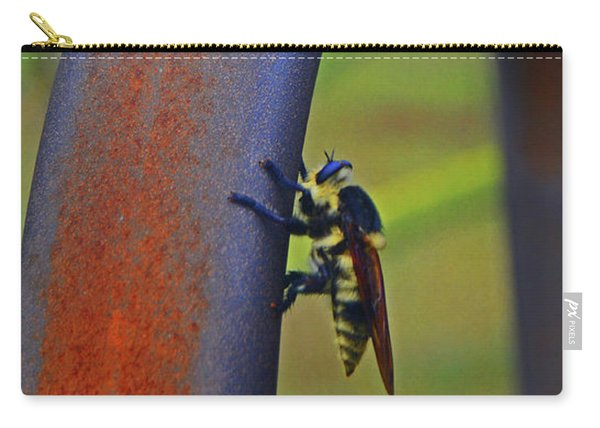 Design Of The Bee Carry-all Pouch