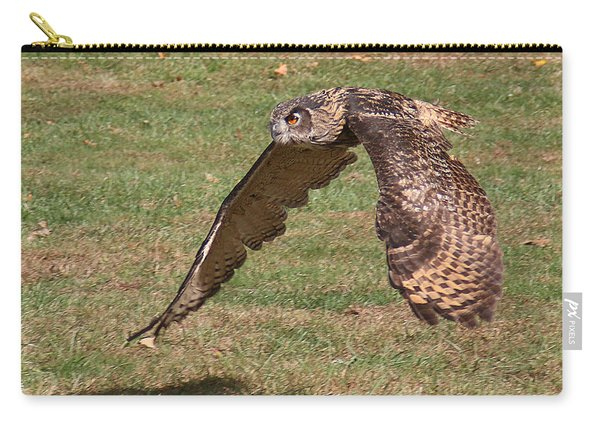 Carry-all Pouch featuring the photograph Eagle Owl On The Hunt 1 by William Selander