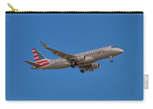 Flying In American Eagle Embraer 175 N426yx Carry-all Pouch
