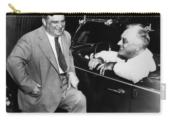Franklin Roosevelt And Fiorello Laguardia In Hyde Park - 1938 Carry-all Pouch