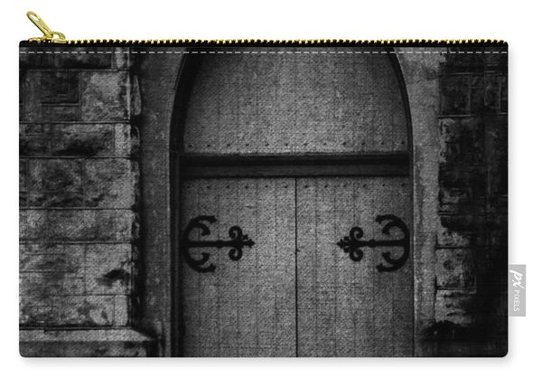 Gothic Door Memphis Church Bw Carry-all Pouch