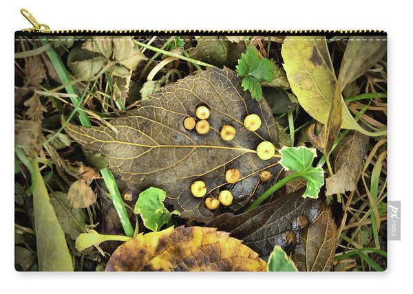 Leaf Detail Carry-all Pouch
