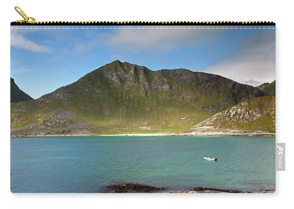 Mannen From Vik Beach Carry-all Pouch