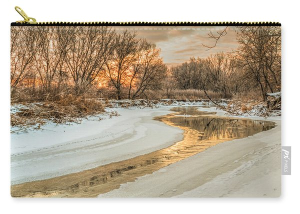 Carry-all Pouch featuring the photograph Morning Light On The Riverbank by Garvin Hunter