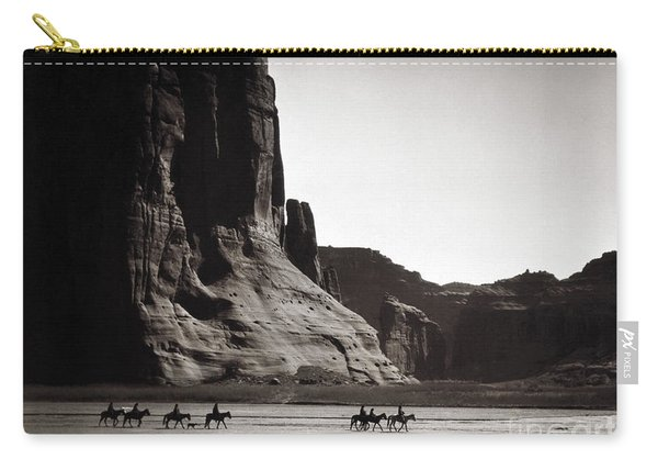 Navajos Canyon De Chelly, 1904 Carry-all Pouch