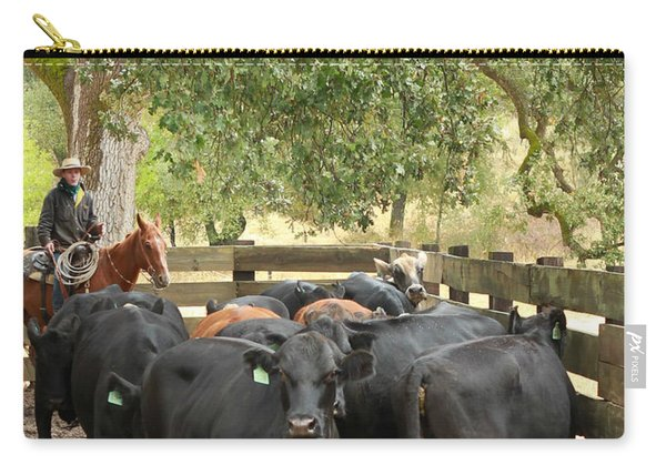 Nick Loading Cattle Carry-all Pouch