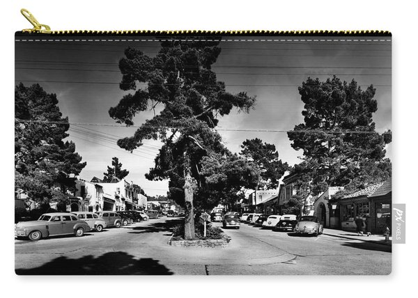 Ocean Avenue At Lincoln St - Carmel-by-the-sea, Ca Cirrca 1941 Carry-all Pouch