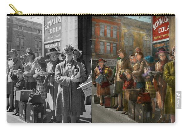 People - People Waiting For The Bus - 1943 - Side By Side Carry-all Pouch