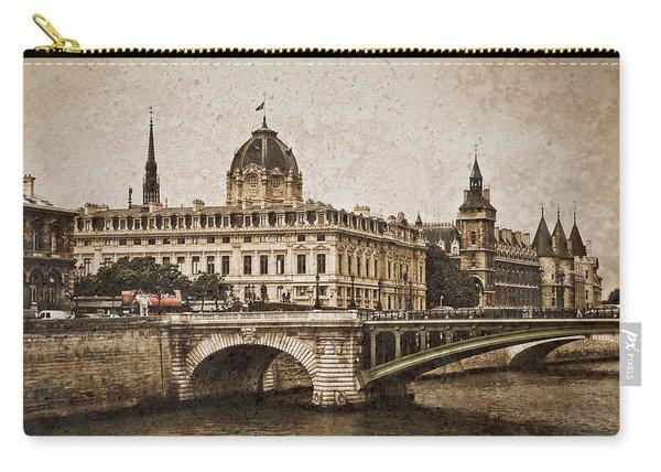 Paris, France - Pont Notre Dame Oldstyle Carry-all Pouch
