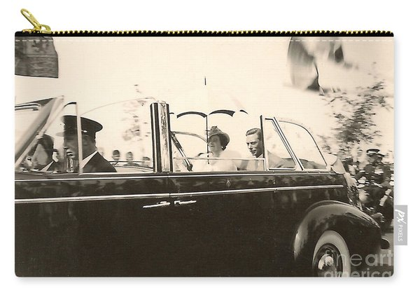 Queen Elizabeth And King George Vi Carry-all Pouch