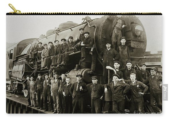 Steam Engine 351 On Turntable Coxton Yards Coxton Pennsylvania Early 1900s Carry-all Pouch