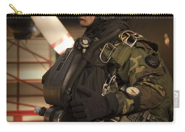 U.s. Navy Seal Combat Diver Prepares Carry-all Pouch