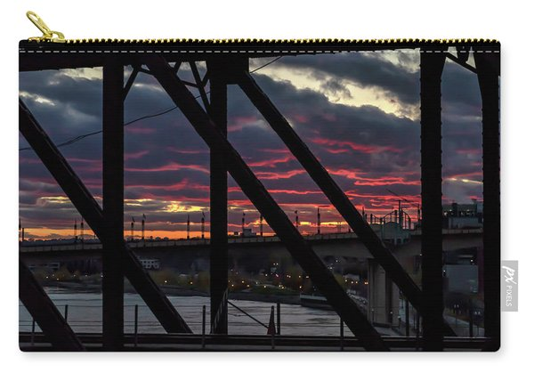 008 - Trestle Sunset Carry-all Pouch
