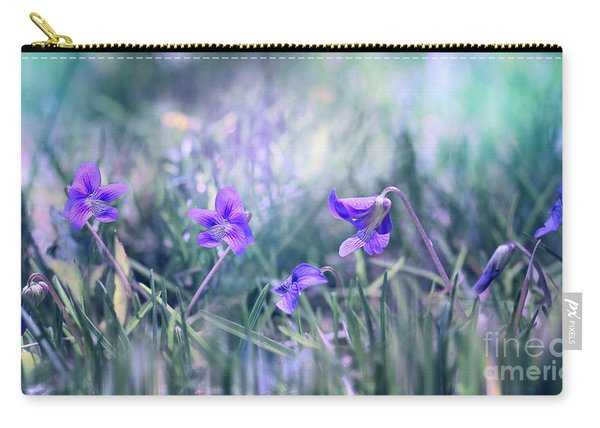 Carry-all Pouch featuring the photograph Daybreak by Susan Warren