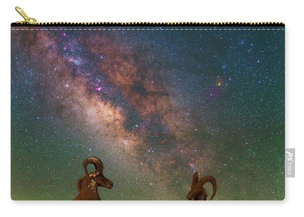 Head To Head With The Galaxy Carry-all Pouch