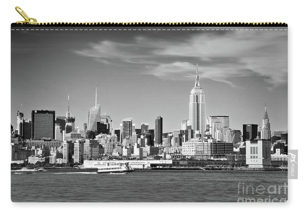 New York Skyline Black And White Carry-all Pouch