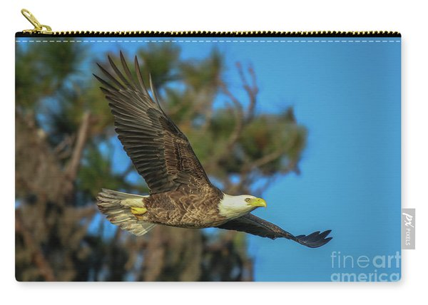 Carry-all Pouch featuring the photograph Soaring Eagle by Tom Claud