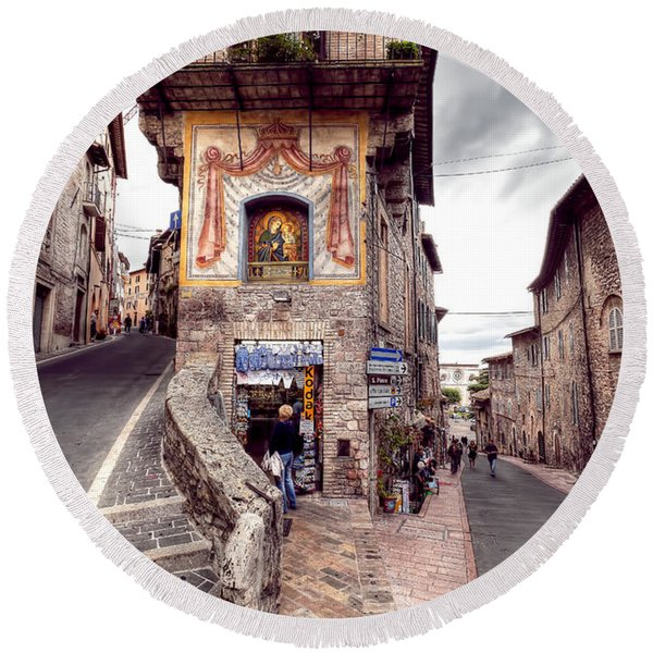 0801 Assisi Italy Round Beach Towel