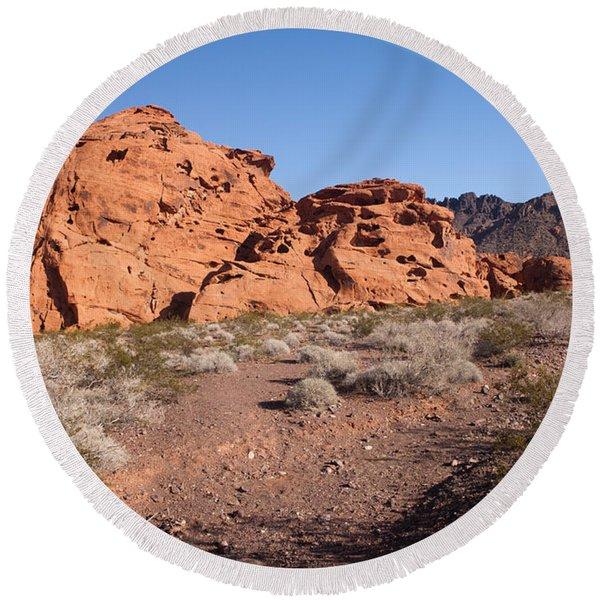 Desert Rock Formations Round Beach Towel