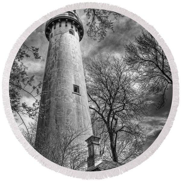 Grosse Point Lighthouse Round Beach Towel