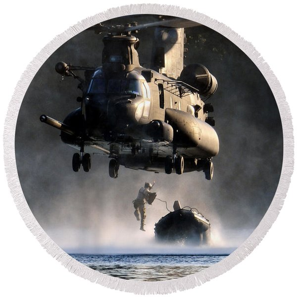 Mh-47 Chinook Helicopter Round Beach Towel
