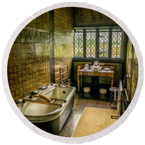 Victorian Wash Room Round Beach Towel