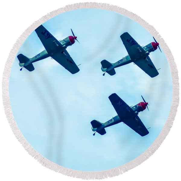 Action In The Sky During An Airshow Round Beach Towel