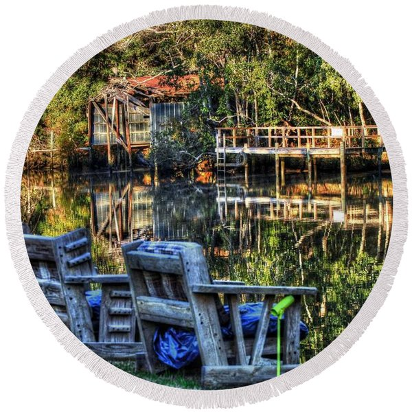 2 Chairs On The Magnolia River Round Beach Towel