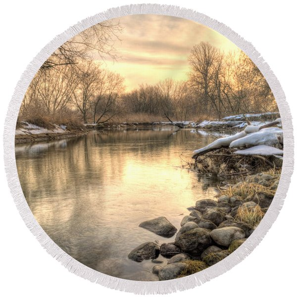 Along The Thames River  Round Beach Towel